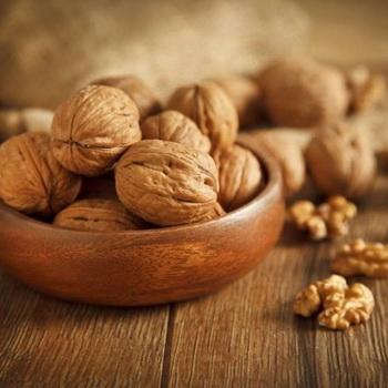 Масло грецкого ореха для волос, кожи лица и красивого загара